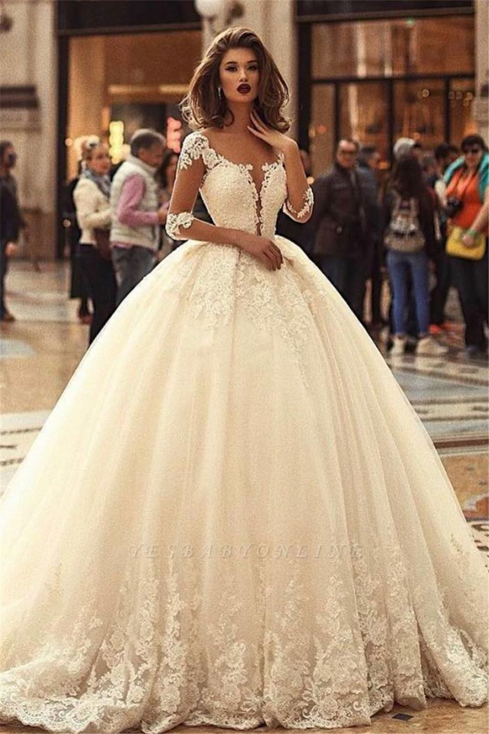 Glamorous Puffy Court Train Lace Appliques Tulle Wedding Dresses with Sleeves