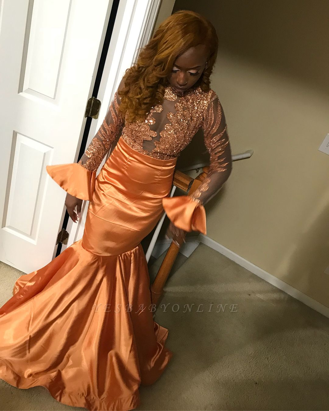 Chic Mermaid Round-Neck Appliques Sequins Long-Sleeves Floor-Length Prom Dresses