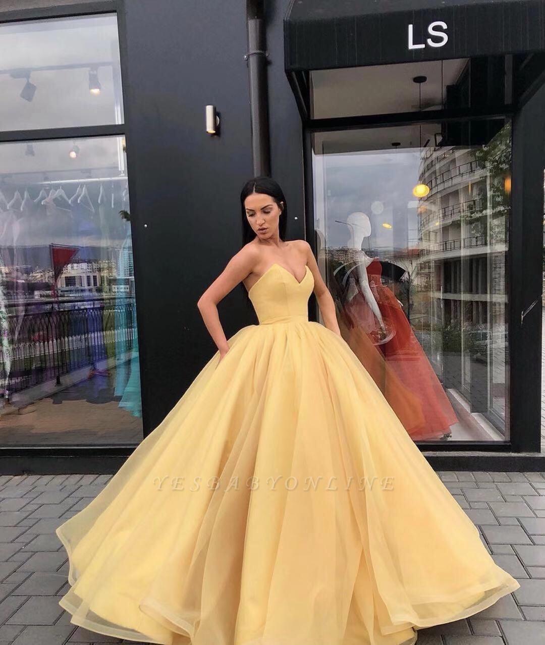 Elegant Ball Gown Strapless sweetheart Floor-Length Prom Dress