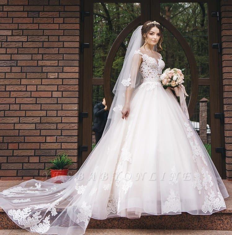 Glamorous Sleeveless V-Neck Lace Appliques Wedding Dresses