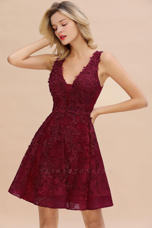 Princess V-neck Knee Length Lace Appliques Homecoming Dresses