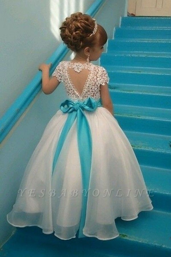 https://www.yesbabyonline.com/g/crystals-sash-short-sleeves-lace-flower-puffy-girl-dresses-107613.html?utm_source=blog&utm_medium=lady-k&utm_campaign=post&source=lady-k