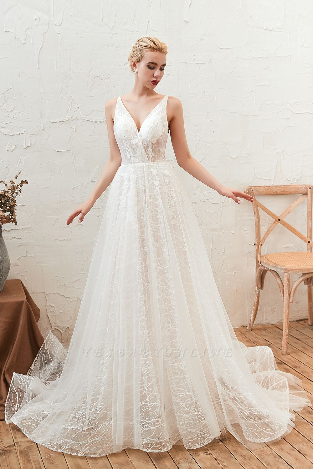 Gorgeous Spaghetti Straps Sweep Train V-neck Lace-Up Lace Wedding Dresses