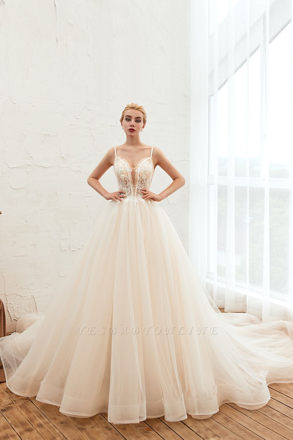 Gorgeous Spaghetti Straps V-neck Floor Length A-line Lace Tulle Wedding Dresses
