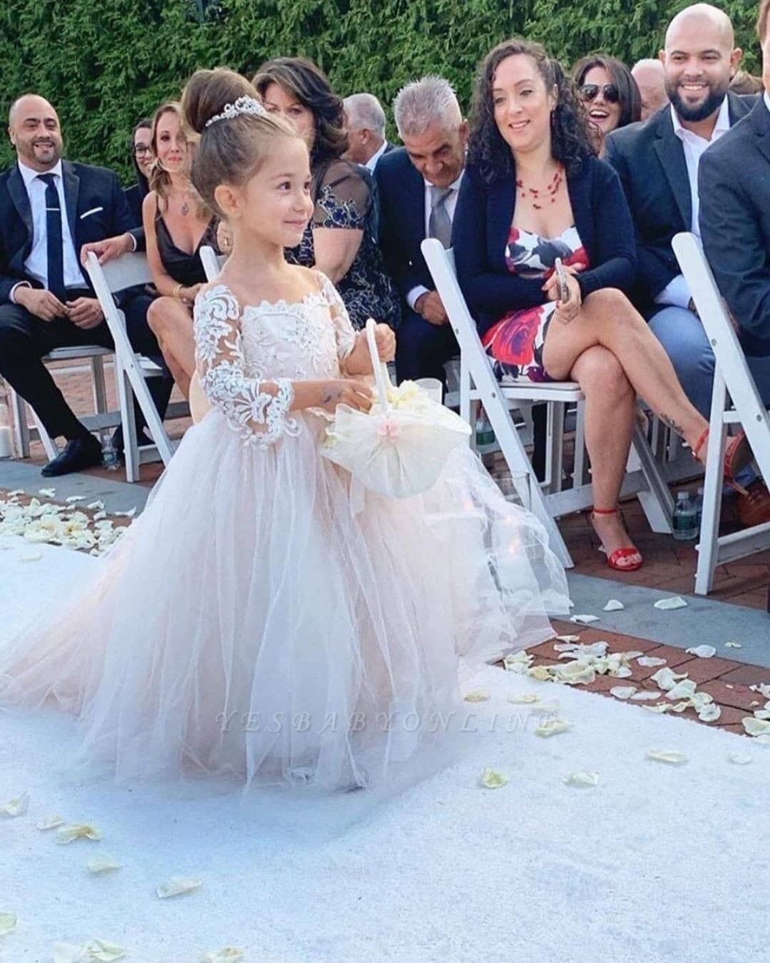 https://www.yesbabyonline.com/g/princess-jewel-long-sleeves-sweep-train-lace-tulle-flower-girl-dresses-with-bowknot-115404.html?utm_source=blog&utm_medium=lady-k&utm_campaign=post&source=lady-k