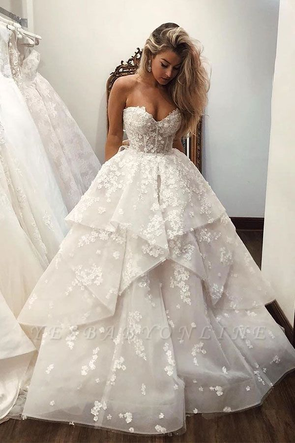 Charming Sweetheart Sleeveless Applique Tiered A-line Wedding Dresses | Beading Bridal Gown