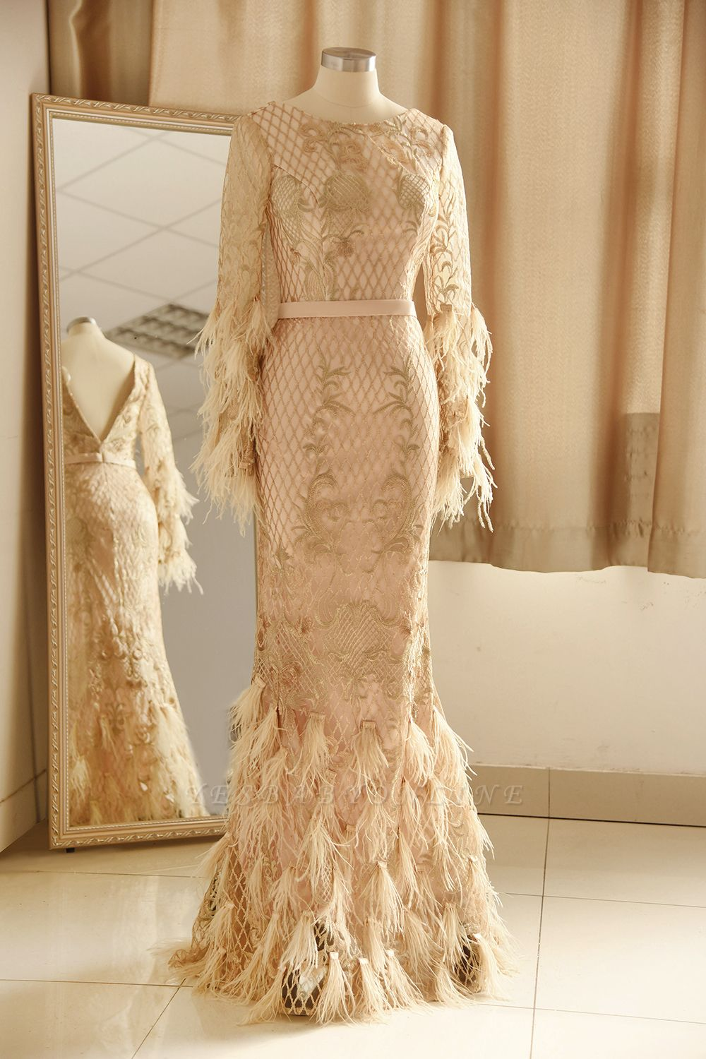 Luxury Jewel Long sleeve V Back Applique Floor Length Sheath Prom Dresses With Feathers