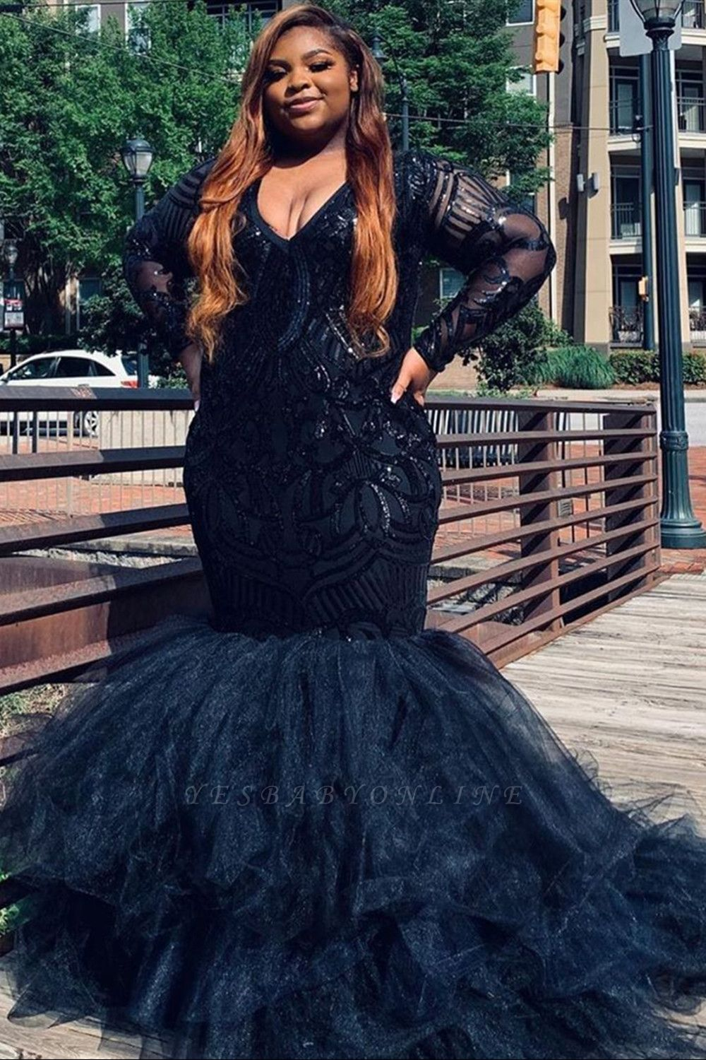 Plus Size V-neck Mermaid Evening Gowns Sparkly V-neck Feather Prom Gowns