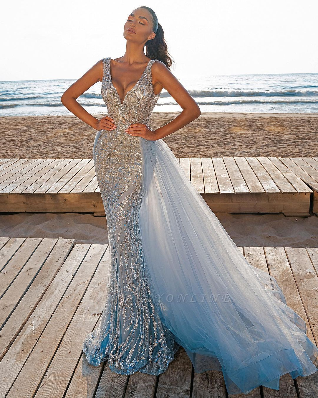 Elegant V-Neck Mermaid Prom Dresses with Detachable Train