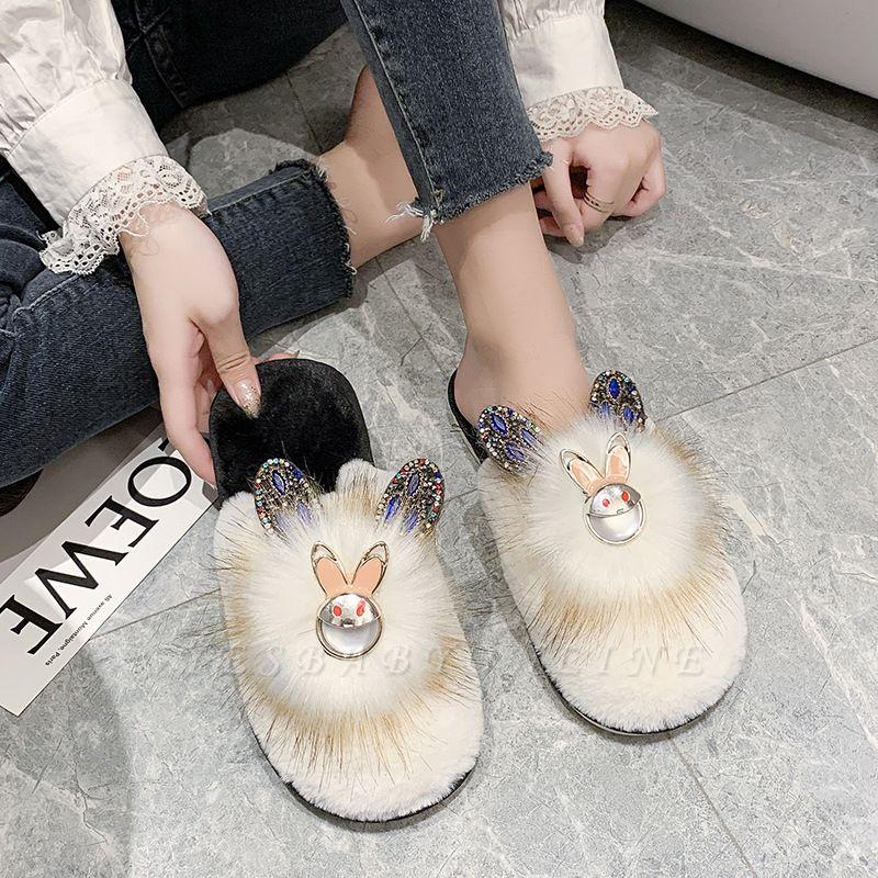 Rabbit Pattern Studded Fluffy Slippers