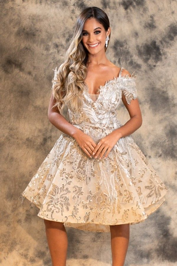 Stylish A-Line Lace Short Prom Dress Off-Shoulder Homecoming Dress