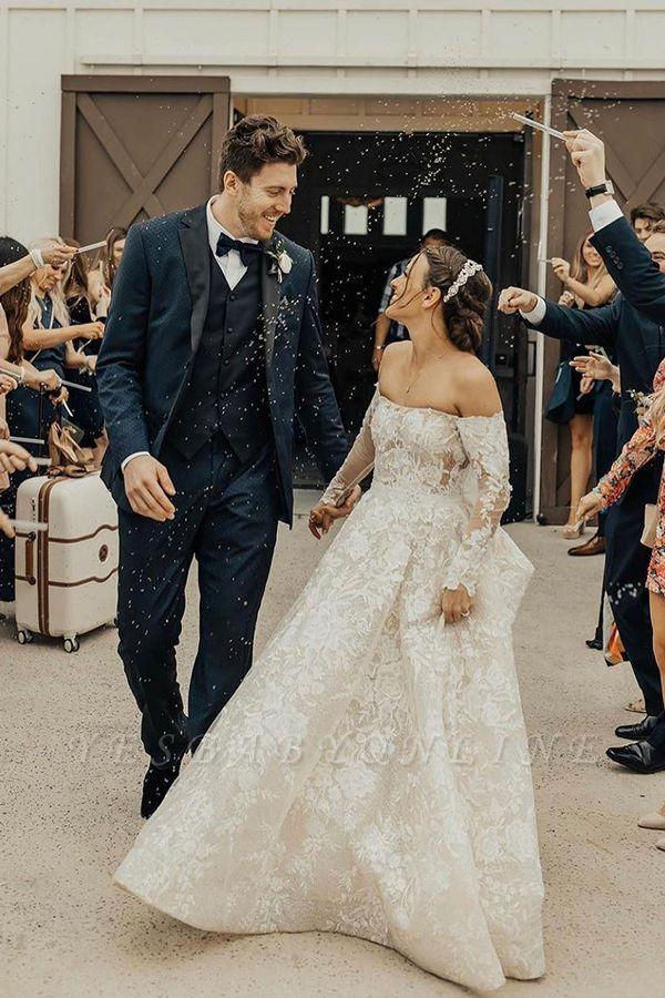 Gorgeous Tulle Bateau Wedding Dresses With Lace Appliques