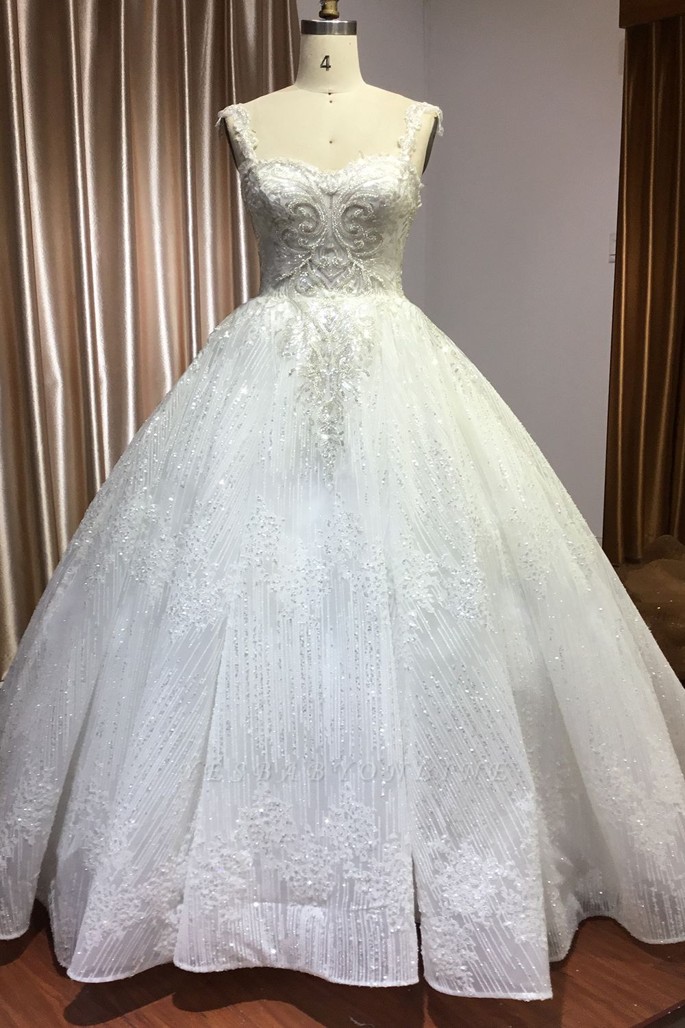 Elegant Sleeveless Tulle Lace Wedding Dresses With Sequins Long