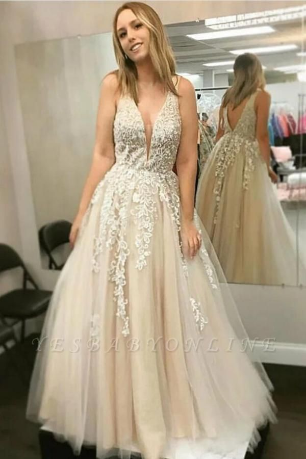 Sweet Sleeveless V Neck Tulle White Lace A-Line Prom Dresses