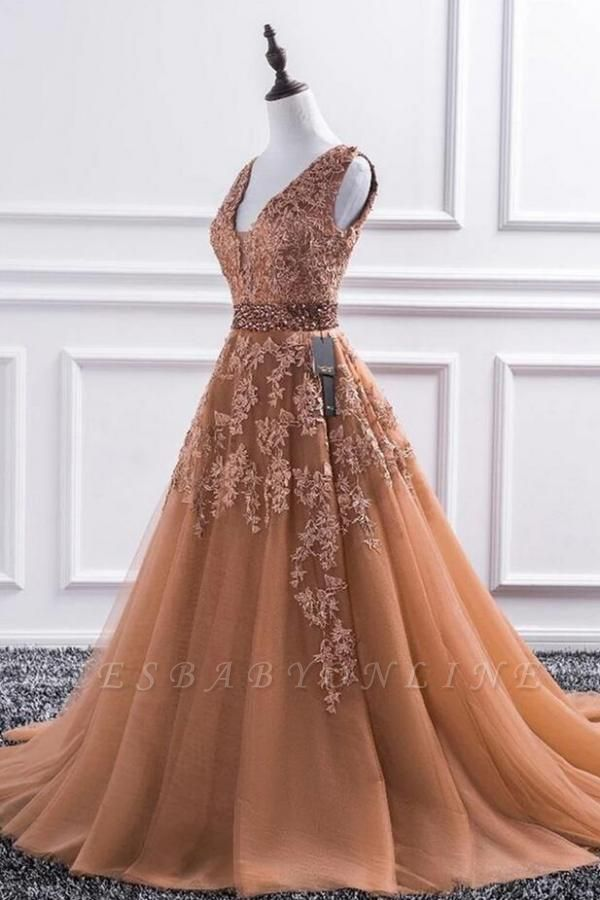 Luxury Sleeveless V Neck Tulle Camel Prom Dresses With Lace Appliques