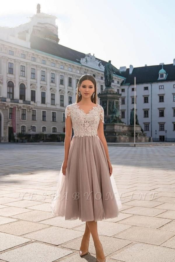Beautiful Tulle Short Sleeves Light Purple Tea-Length Prom Dresses With Lace Appliques