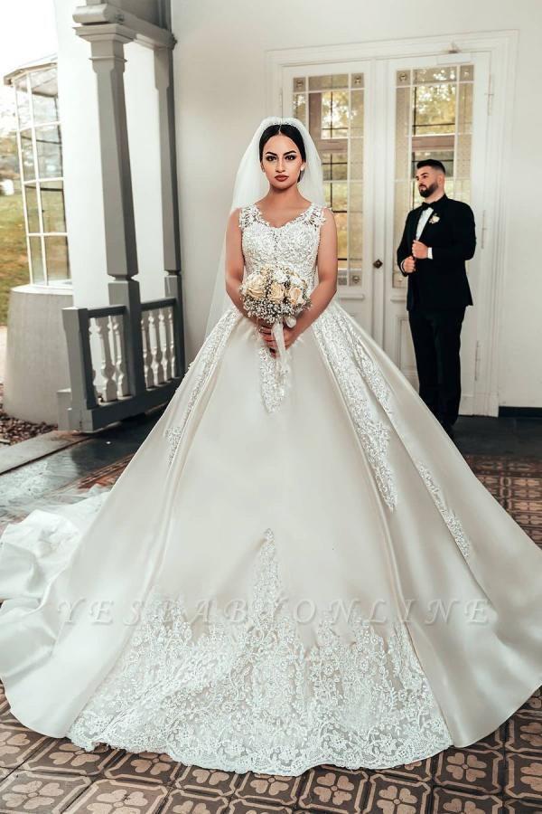 Elegant Satin White Sleeveless Appliques A-Line Wedding Dresses