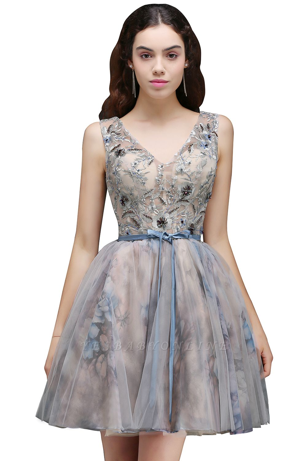 A-line Short Cute Homecoming Dress With Appliques