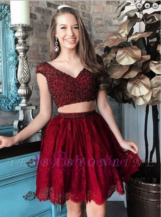 Purple Two-Piece Homecoming Dresses Capped Sleeves Lace Beaded Short Party Dress