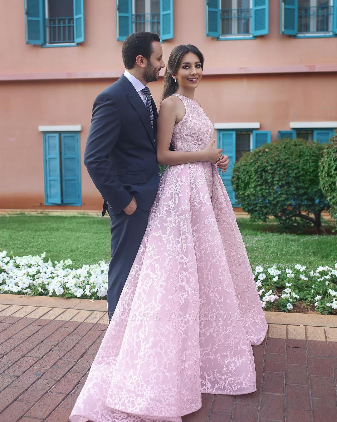Chic Pink Halter Sweep Train Sleeveless Wedding Dress