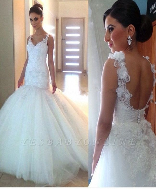 Open-Back Tulle Appliques Mermaid Glamorous V-Neck Buttons Wedding Dress