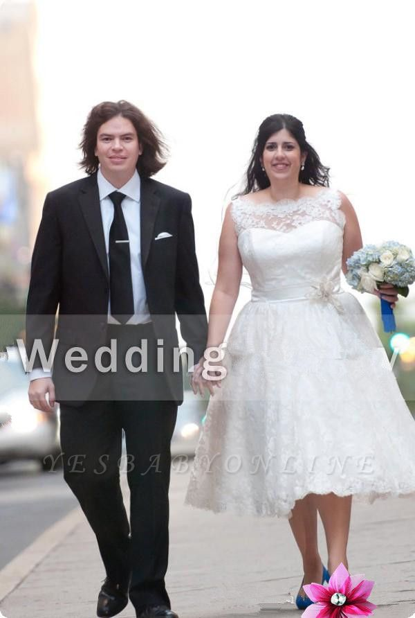 White Plus-Size Modern Knee-Length Illusion Lace Appliques Wedding Dress