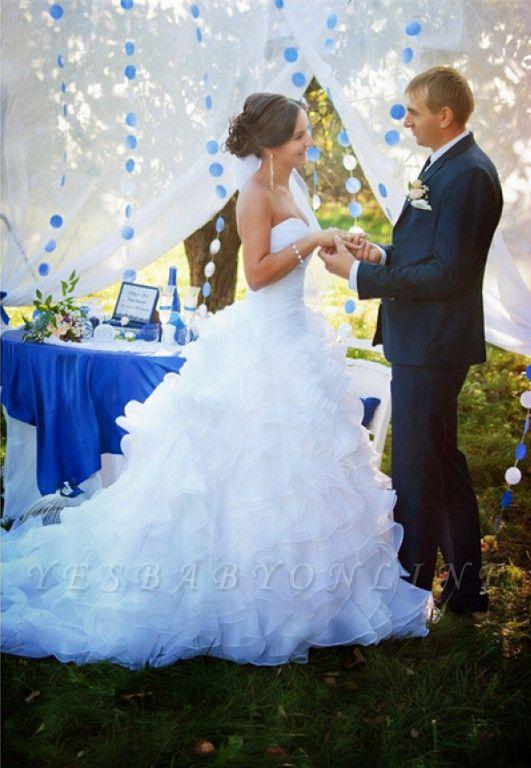 Sleeveless White Ruffles Sweep Train Sweetheart Modern Wedding Dress