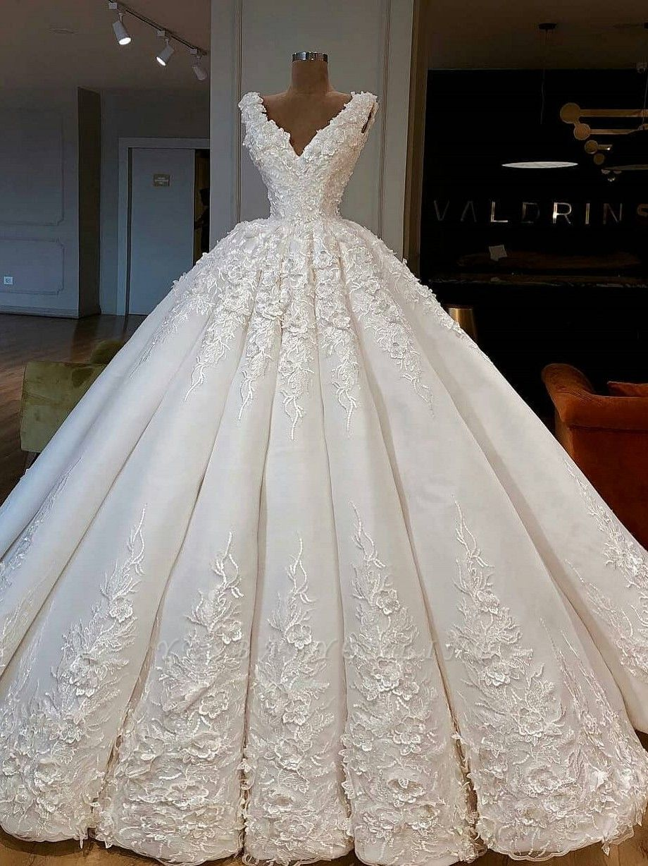 Charming Lace Appliques Ball Gown Wedding Dresses | Gorgeous V-Neck Sleeveless Bridal Gowns