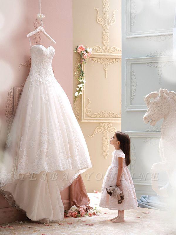Sweep Train Sleeveless Modern Lace Spaghetti-Strap Tulle Wedding Dress