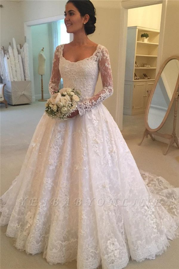 Glamorous  Puffy Buttons Court-Train Long Sleeves Squared Lace Wedding Dress