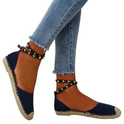 Comfortable Adjustable Buckle Rivet Sandals_3
