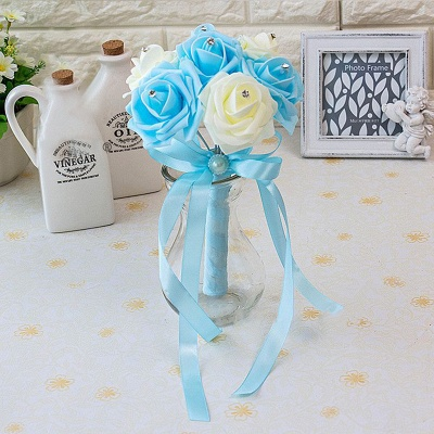 Small Bouquet in Multiple Colors with Robbin_17