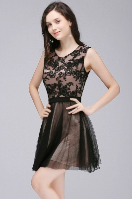A-Line  Lace Scoop Sleeveless Short Bridesmaid Dresses with Appliques_1