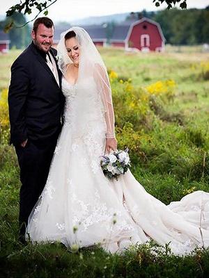 Stunning Spaghetti Straps Court Train Sleeveless Tulle Wedding Dresses_1