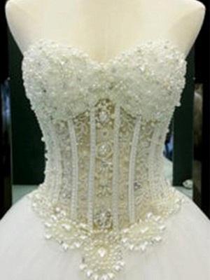Sweetheart Court Train Tulle Puffy Sleeveless Beaded Wedding Dresses_5