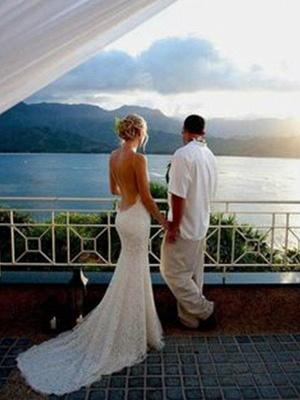 Court Train  Sleeveless V-neck Column Spaghetti Straps Lace Wedding Dresses_3