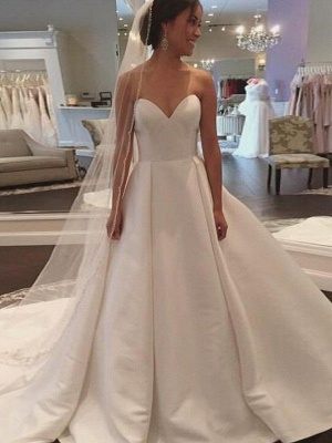 Alluring Court Train Puffy Sweetheart Sleeveless Satin Wedding Dresses_1
