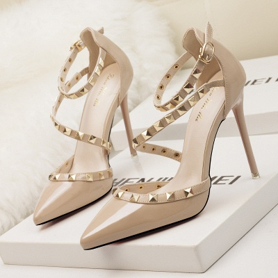 Fashion Pionted Toe High Heel Buckle Wedding Shoes with Rivets_1