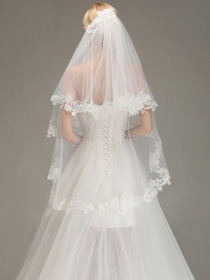 Lace Edge Wedding Veil with Comb Two Layers Tulle Bridal Veil_1