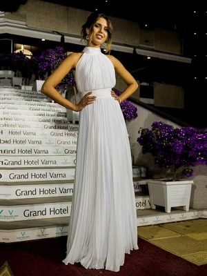 Alluring Floor-Length Sleeveless Halter Ruffles Tulle Wedding Dresses_6