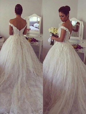 Dramatic Off-the-Shoulder Court Train Puffy Lace Wedding Dresses_1