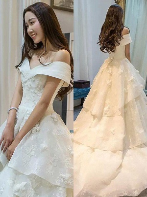 Dramatic Sleeveless Off-the-Shoulder Puffy Tulle Wedding Dresses_1