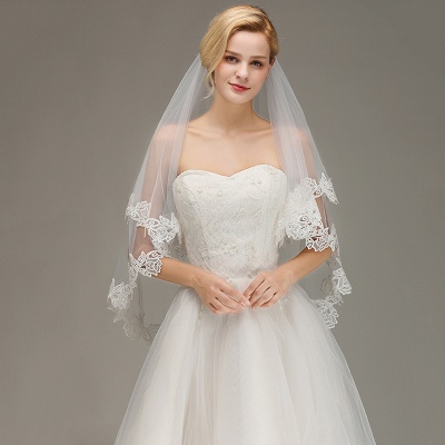 Lace Applique Two Layers Wedding Veils With Comb_4