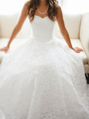 Sweetheart Sleeveless Cathedral Train Lace Wedding Dresses_1