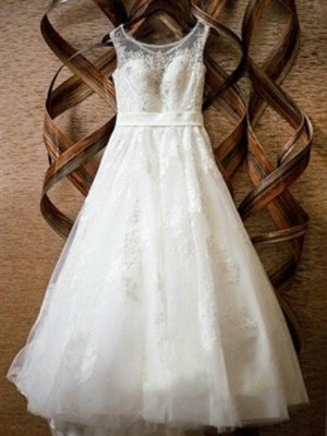 Alluring Tulle Scoop Lace Applique Wedding Dresses   Floor-Length Sleeveless Beaded Bridal Gowns_3