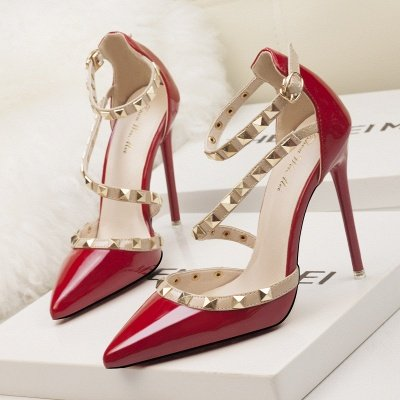 Fashion Pionted Toe High Heel Buckle Wedding Shoes with Rivets_2