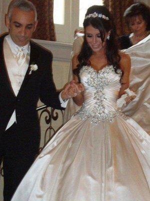 Romantic Taffeta Sleeveless Cathedral Train Ruffles Puffy Sweetheart Wedding Dresses_1