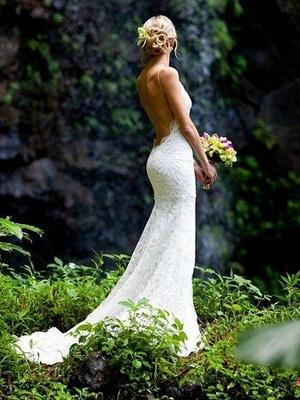 Court Train  Sleeveless V-neck Column Spaghetti Straps Lace Wedding Dresses_1