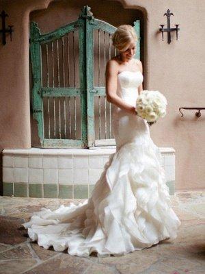 Court Train Sexy Mermaid Satin Wedding Dresses   Sleeveless Sweetheart Ruffles Bridal Gowns_4