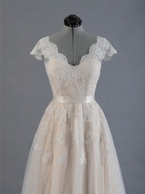 Sweep Train Sleeveless V-neck Applique Lace Wedding Dresses_4